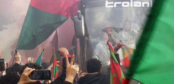 Foto e Video – Il calore dei tifosi rossoverdi in viale dello Stadio
