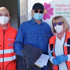 Covid, vaccinazione ad Amelia per Terence Hill