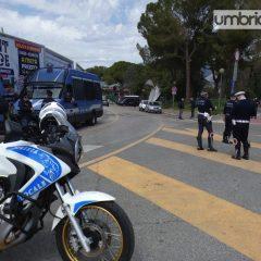 Foto e Video – L'arrivo della Ternana in uno stadio 'blindato'
