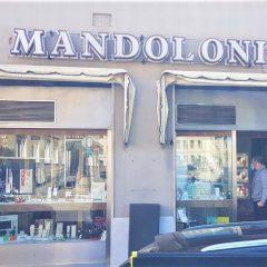 Terni, la gioielleria Mandoloni festeggia 50 anni di attività