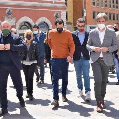 A Terni Matteo Salvini 'cavalca' la ripartenza