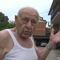 Perugia, ex carabiniere sorprende i ladri sul balcone e spara