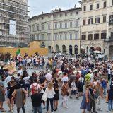 Perugia, Green pass: protesta in piazza. «No al ricatto»
