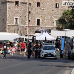 Terni, rimossa una sola auto per il mercatino in centro
