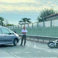 Terni, incidente in via Narni: auto contro moto