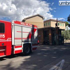 Terni, furgone abbatte idrante al Casagrande: breve evacuazione