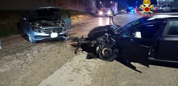 Castiglione del Lago, scontro tra auto: due feriti